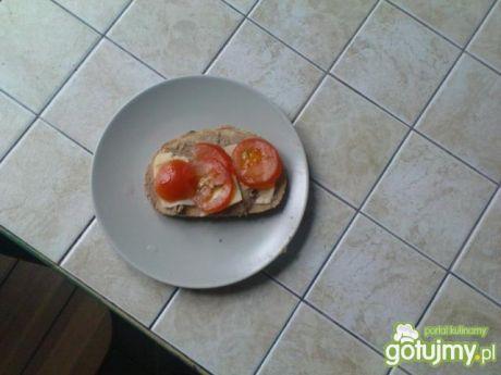 Przepis  kanapki z serem i pomidorem przepis