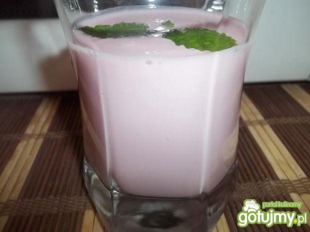 Przepis  mleczko jogurtowo-malinowe przepis