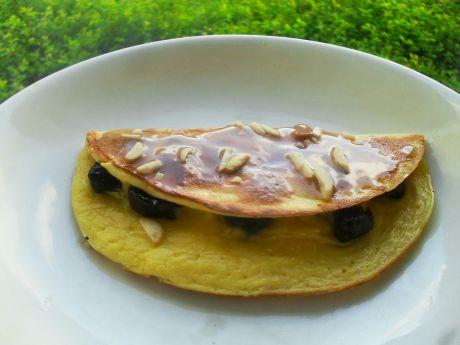 Przepis  omlet z miodem i śliwkami przepis