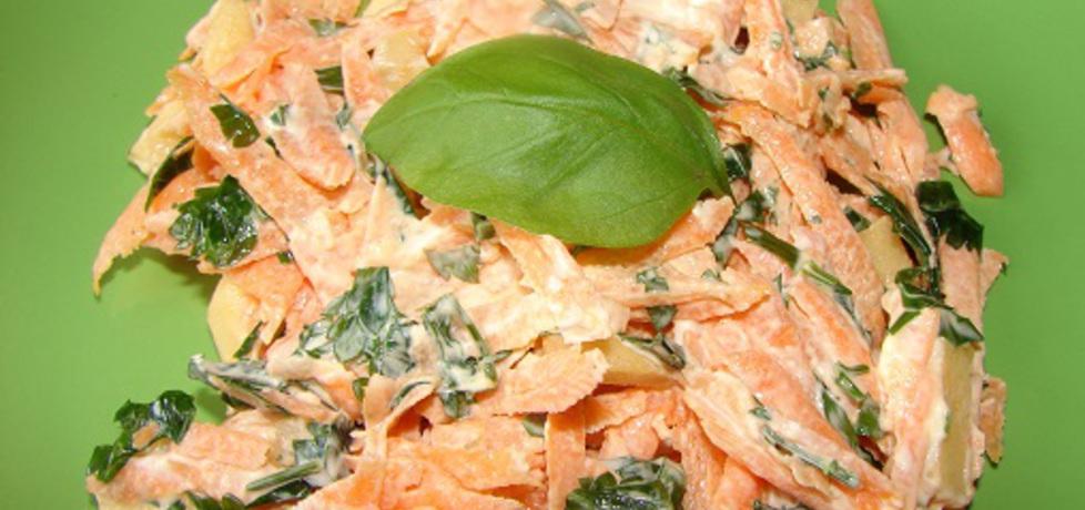 Pyszna surówka z marchewki z pietruszką (autor: anna152 ...