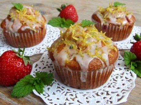 Przepis  muffinki z truskawkami i miętowo