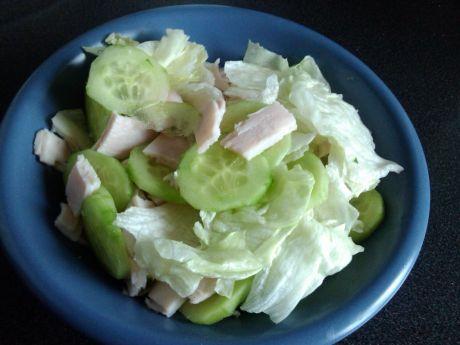 Przepis  zielona sałatka śniadaniowa przepis