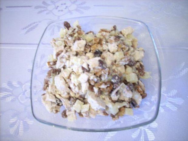 Przepis  sałatka z piersi kurczaka na słodko przepis