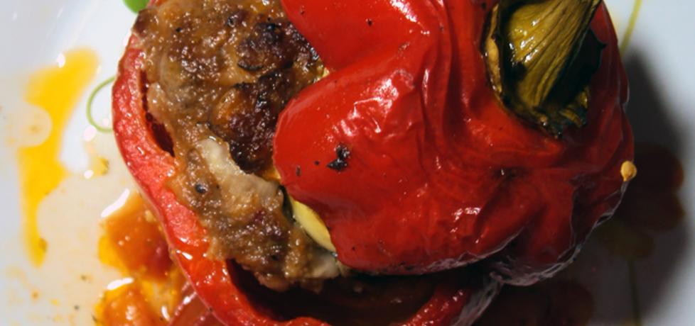 Pieczona papryka faszerowana mięsem mielonym (autor: przejs ...