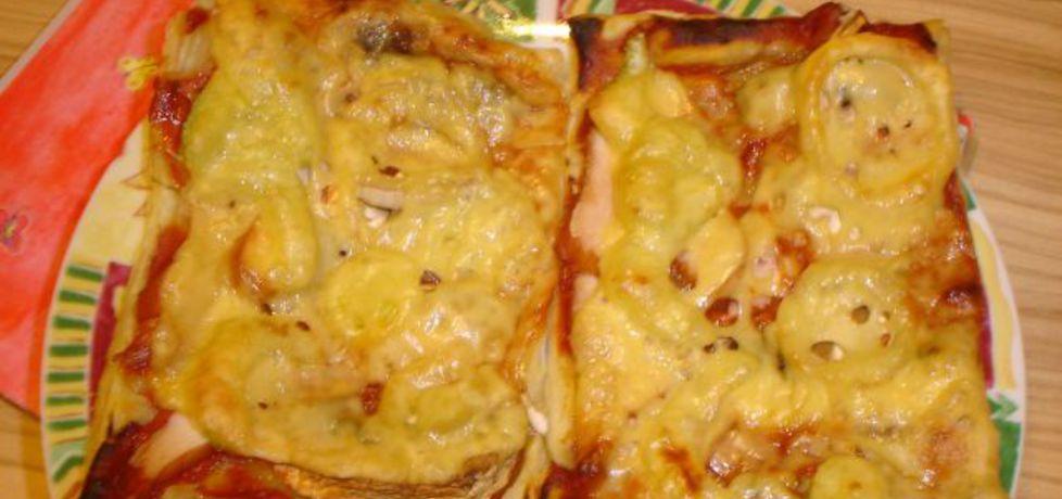Pizza na cieście francuskim warzywno