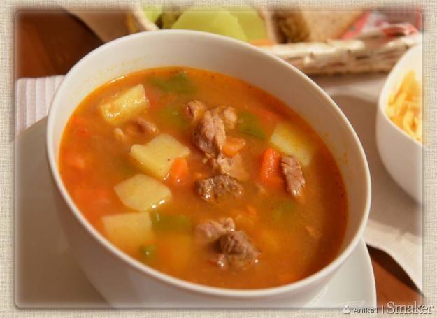 Zupa gulaszowa z chili