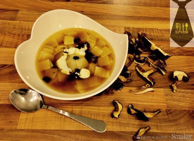Dania wigilijne – tradycyjna zupa grzybowa