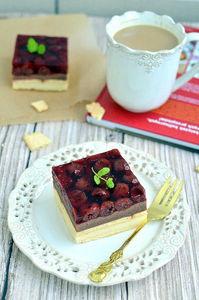 Ciasto grysikowe z wiśniami i galaretką