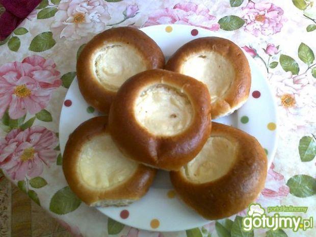 Przepis  mini drożdżówki z serem przepis