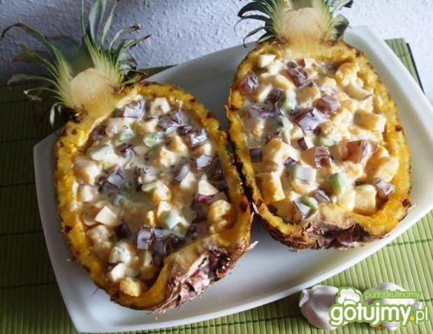 Przepis  pyszna sałatka z galaretką, w ananasie przepis