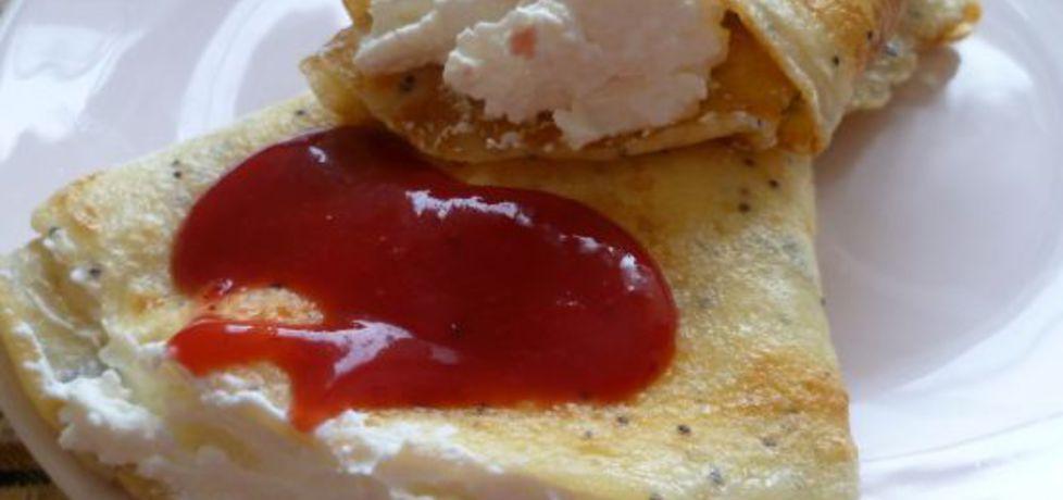 Makowe naleśniki z serem i sosem (autor: krystyna32 ...