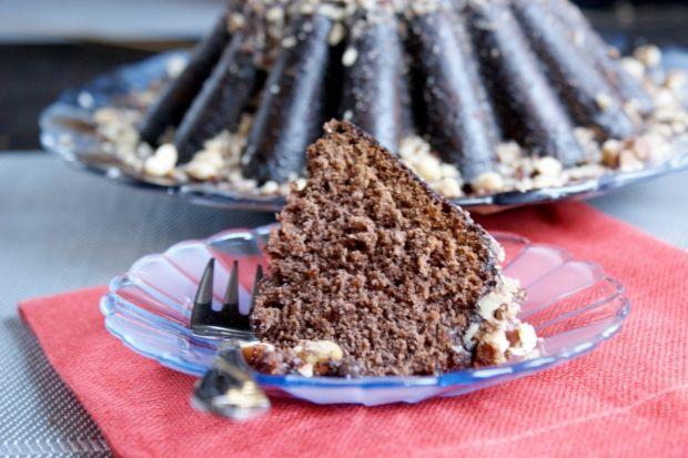 Przepis  babka czekoladowa z orzechami przepis
