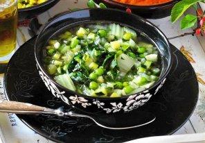 Zielona zupa minestrone  prosty przepis i składniki