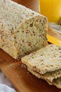 Tani chleb z mąki zieminaczanej z ziarnami bezglutenowy ...
