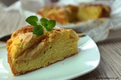 Ciasto z jabłkami,kardamonem i migdałami.