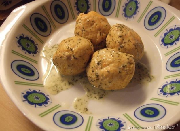 Pulpieciki z sosem koperkowym