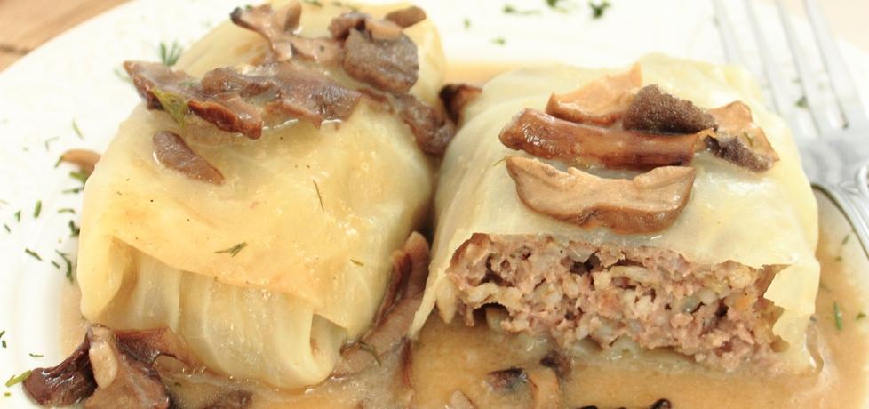 Gołąbki z kaszą i mięsem w sosie grzybowym (autor: ifa ...