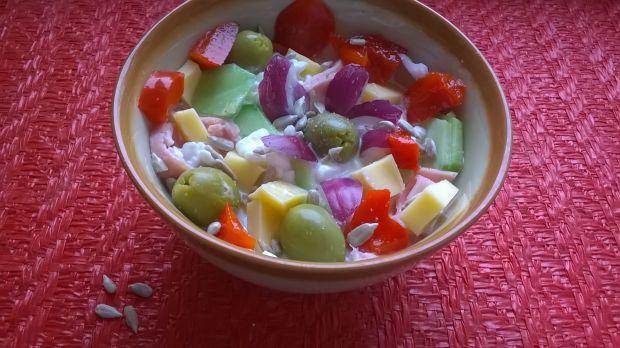 Przepis  śniadaniowa sałatka z serkiem wiejskim przepis